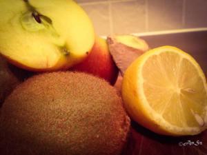 Sunday: ginger, apple, lemon, kiwi