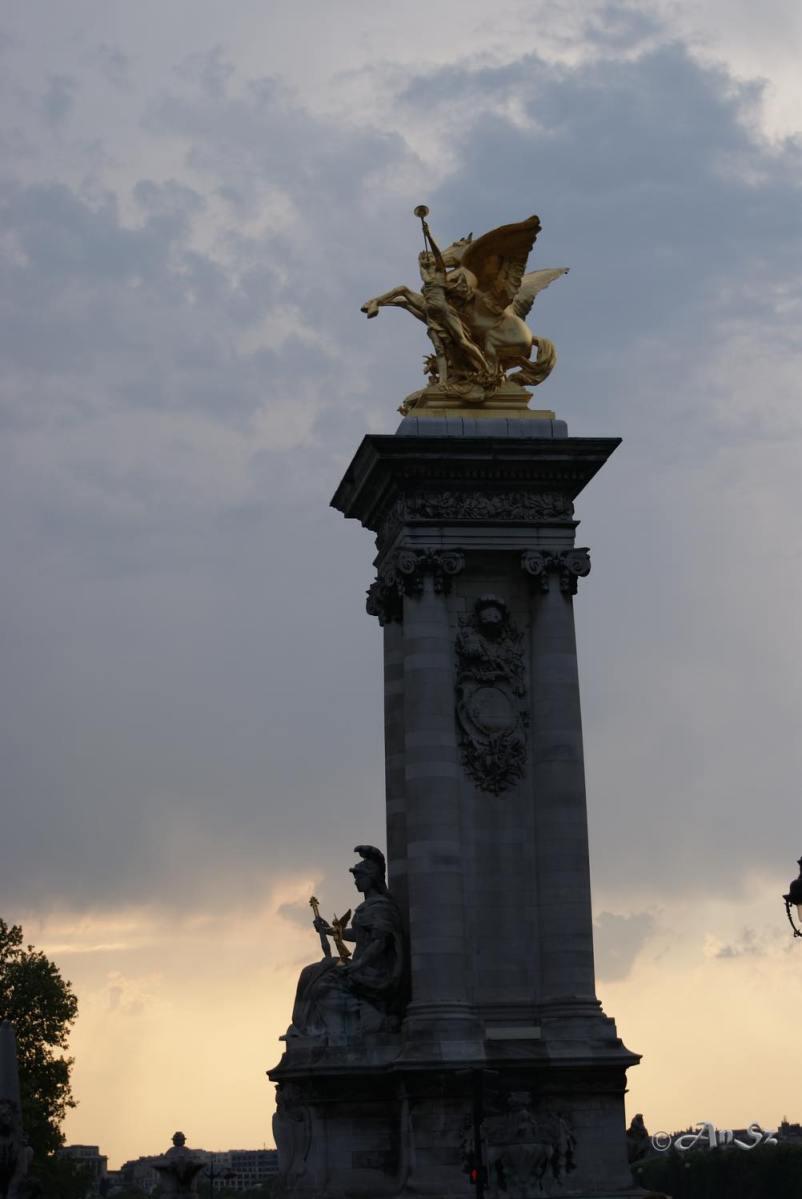 Paris 11 - forever gold