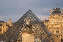 Paris 9 - Louvre Pyramid