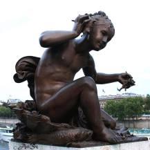 Paris 12 - the happy girl