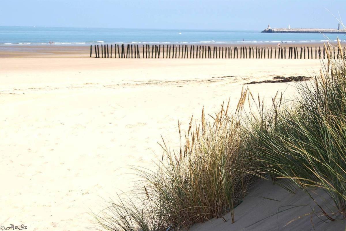Calais 1 - the beach