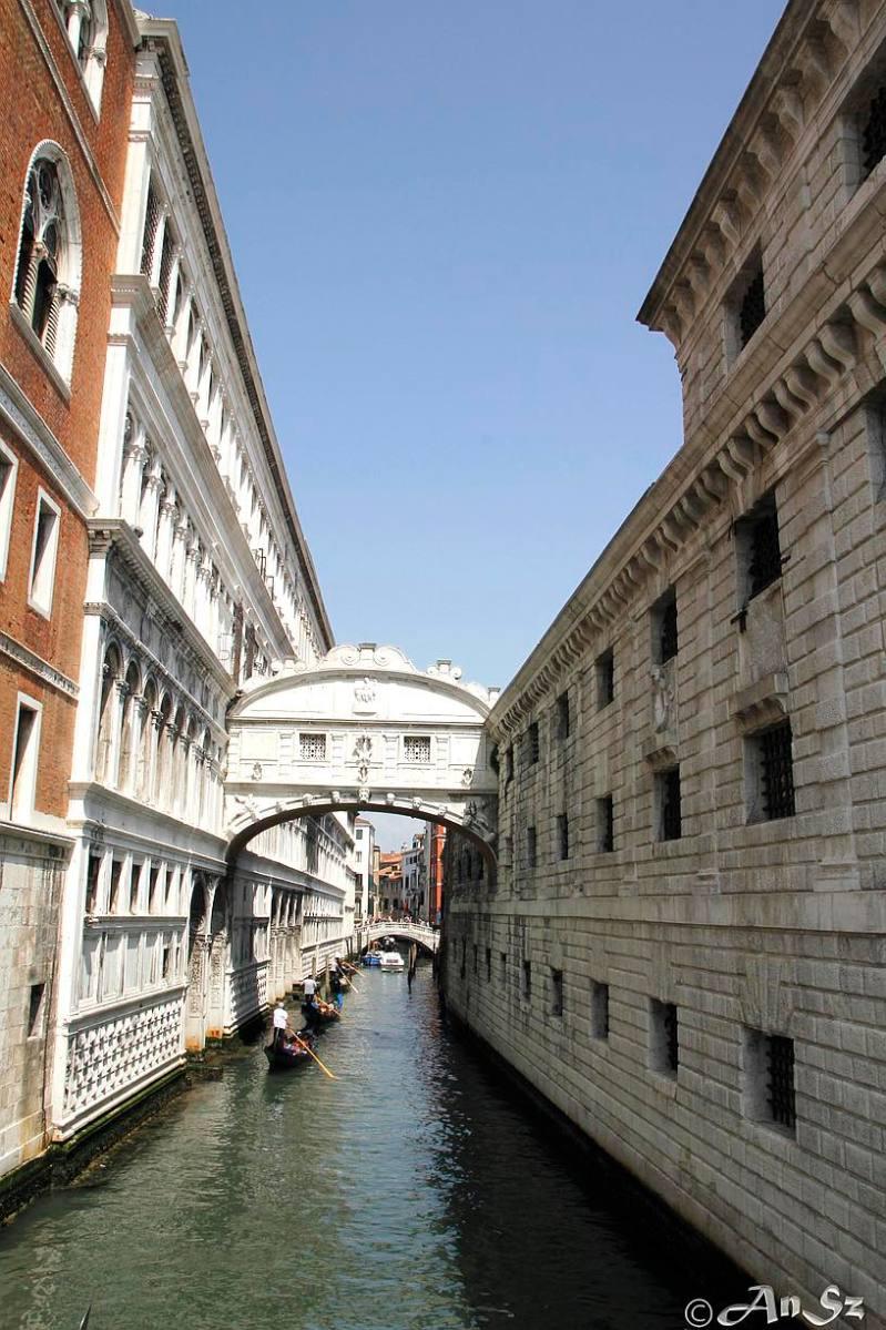 Venice 4 - bridge of sighs