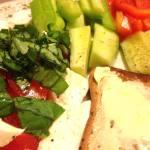 Mozzarella, toast, veg